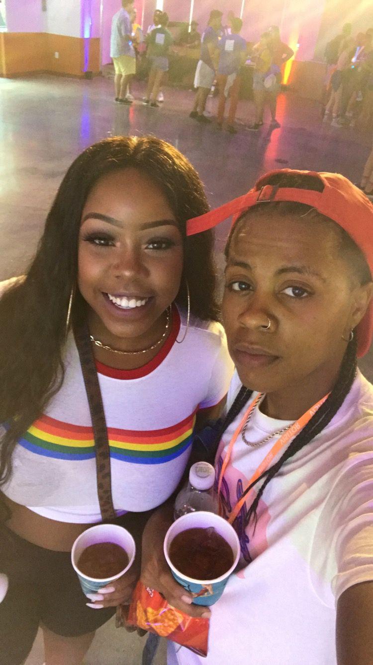 Sexy Ebony Lesbians Scissoring