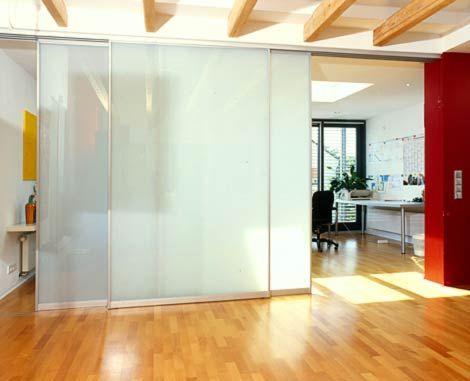 Schiebewände Raumteiler | Imposanter Raumteiler Mit Gleitwänden. Filigrane  Aluminiumrahmen Und .