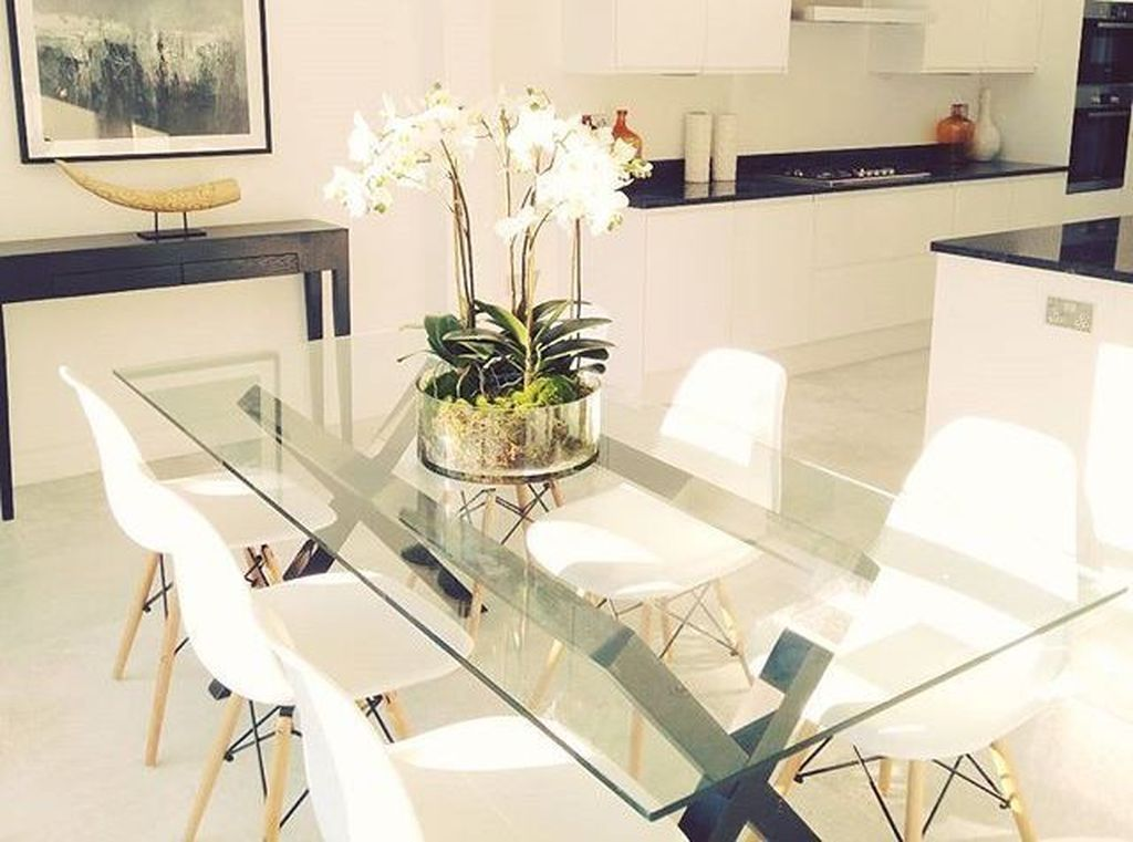 46 Elegant Dining Room Glass Table Decor Ideas In 2020 Glass Dining Room Table Dining Room Table Centerpieces Contemporary Dining Table
