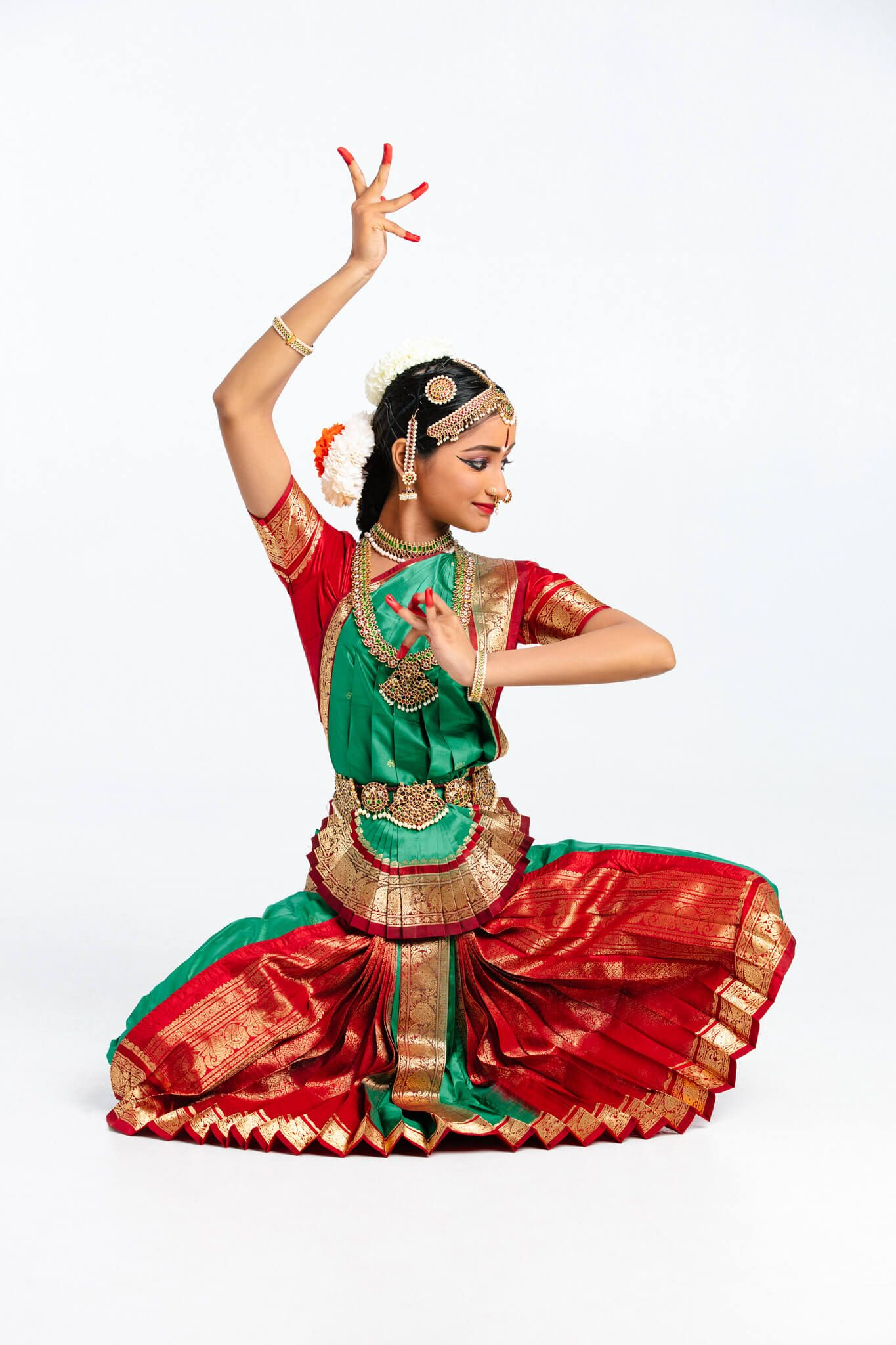 Natesha School Of Bharatanatyam Portrait With Ananya With Images Bharatanatyam Indian Classical Dance Dance Poses