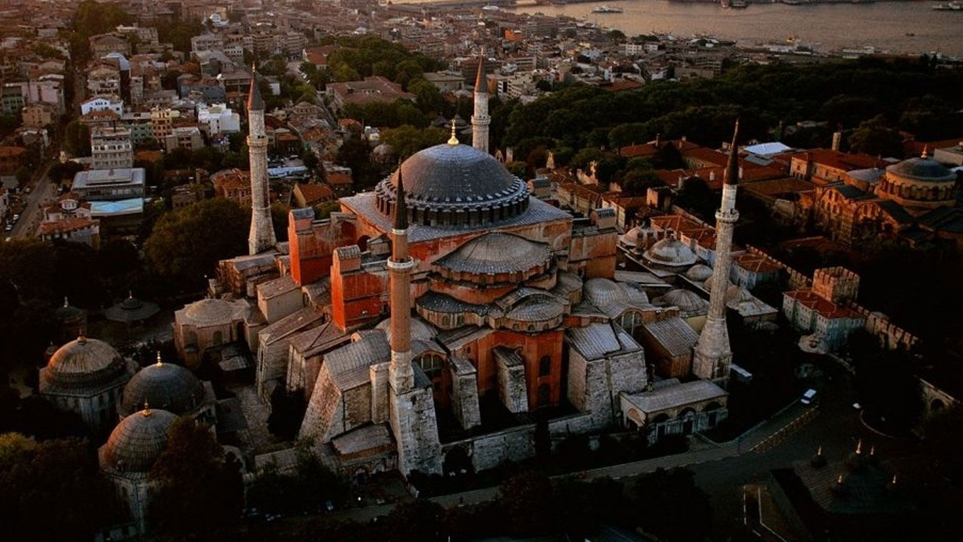 wallpaper-Hagia-sophia-is-a-unique-Turkey-Wallpaper.jpg (1920×1080)
