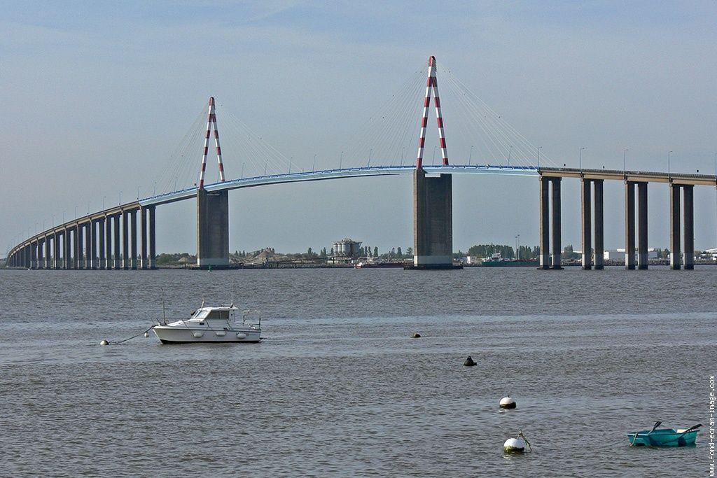 Image result for photo du pont de saint nazaire depuis saint brevin