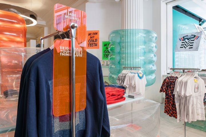 Bright Young Things pop up store and window design by Bonsoir Paris, London visual merchandising store design
