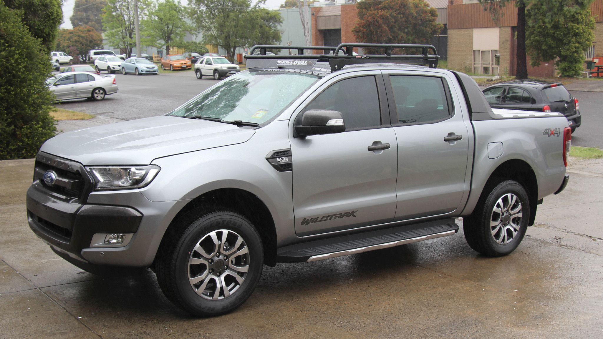 Ford Ranger Wildtrak With Oval Alloy Roof Rack Ford Ranger Ford