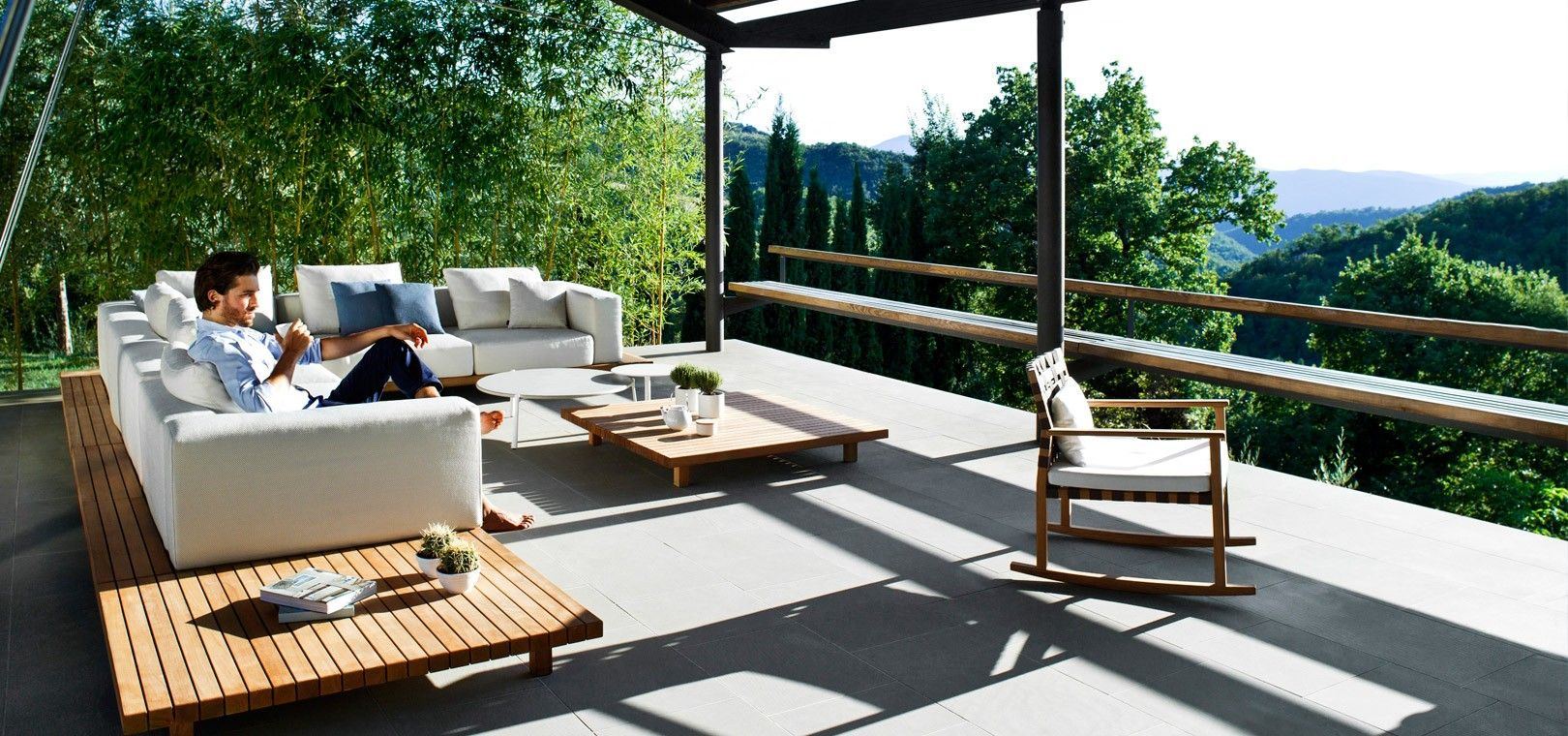 The Vis à vis sofa from Tribù, is an exclusive outdoor lounge sofa ...