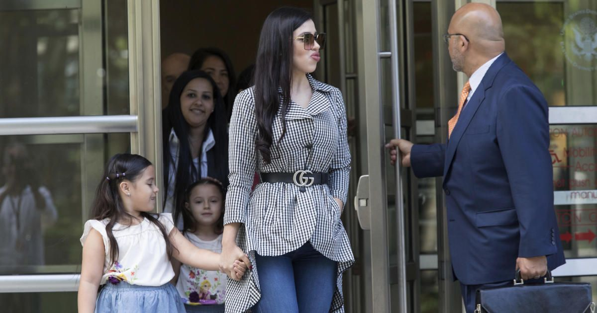 Who Is El Chapo S Wife Former Beauty Queen Emma Coronel Aispuro Shows Support At Her Husband S Trial Pageantry Beauty Beauty Queens