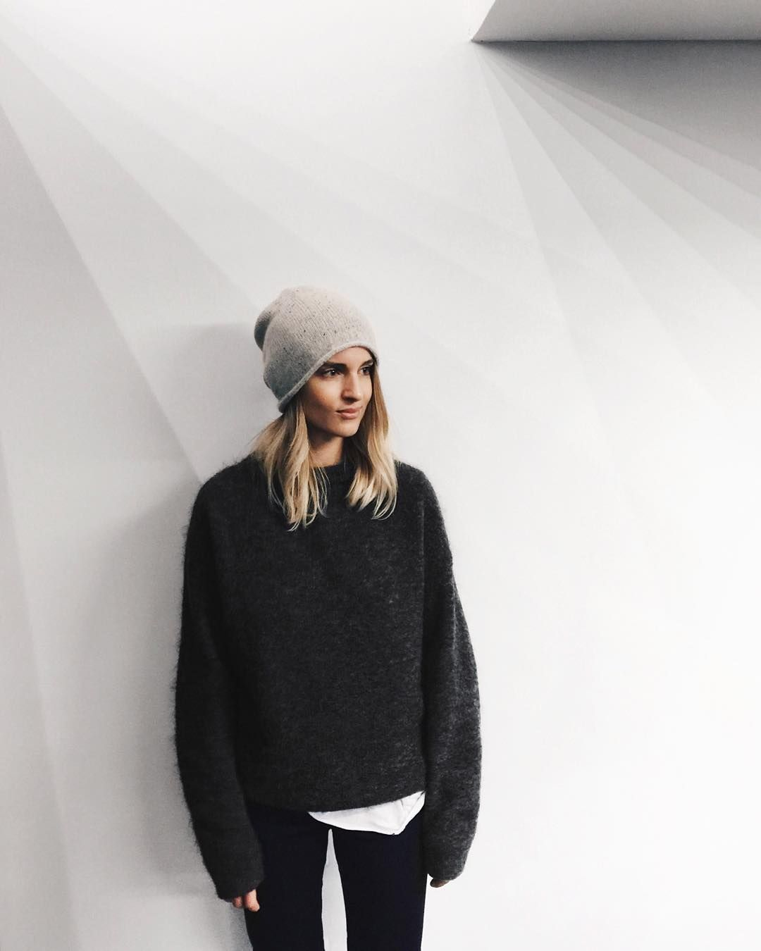 Inspiration Inspirationfashion the neighbourhoods sweater weather