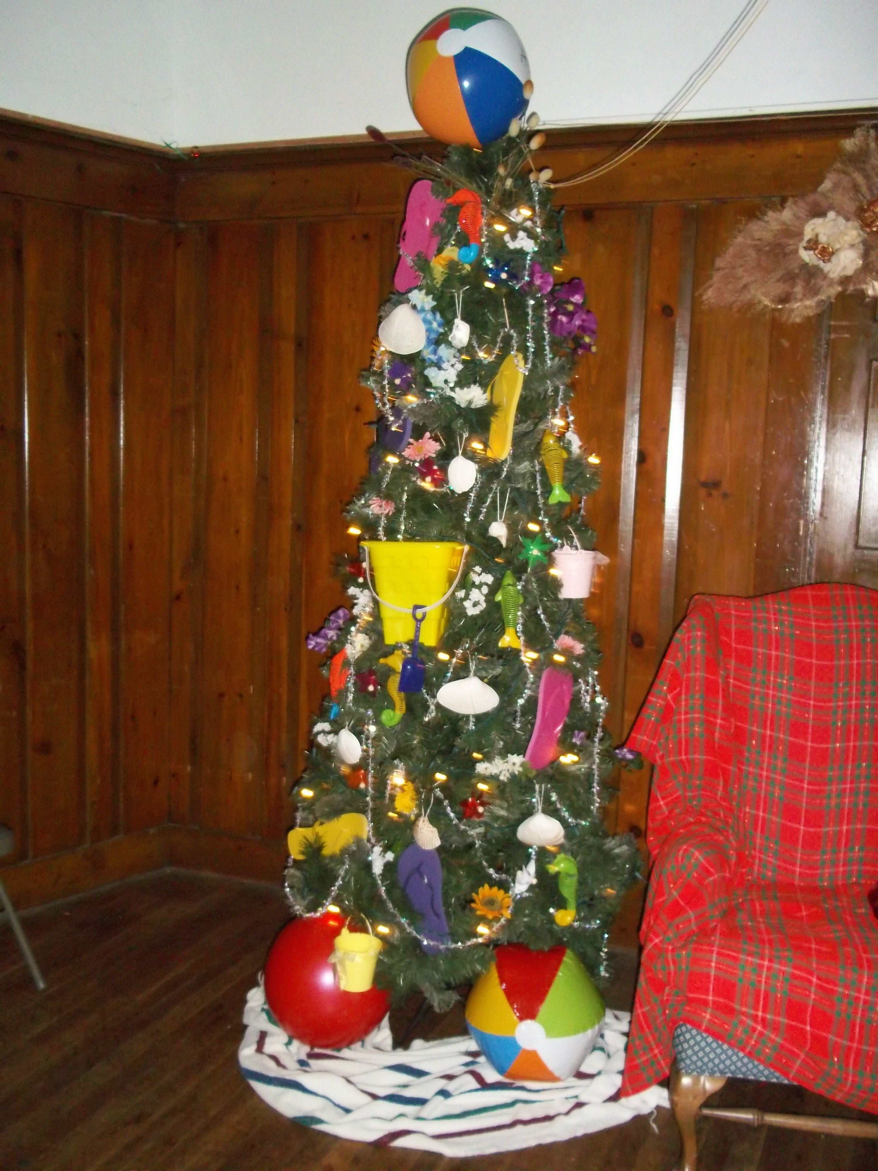 Florida christmas ornament - Florida Summer Themed Christmas Tree Beach Balls Flip Flops Seashells Sand Bucket