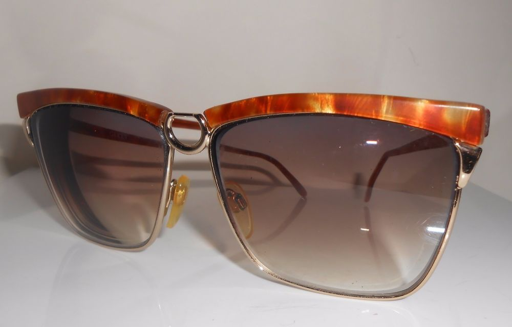 028793560eb Authentic Gucci glasses for men or women. In very good condition. Gucci  logo on each side. Marked on the inside of the frames.