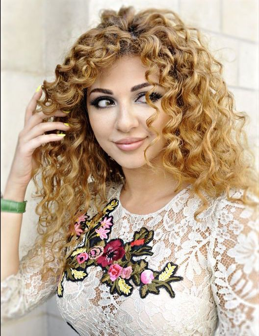 Curly Myriam Fares Myriam Fares Curly Hair Styles Natural