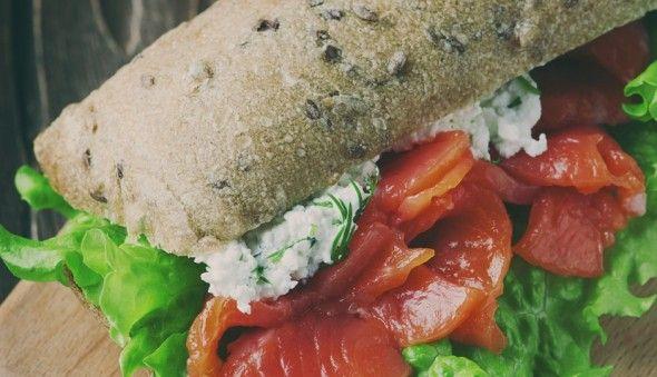 Cinco bocadillos de salmón ahumado que te van a encantar #blogROYAL