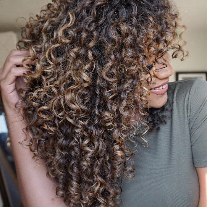 37 Adorable Looks With Curly Hair Haircuts Curly Hair Styles Curly Hair Styles Naturally Hair Styles