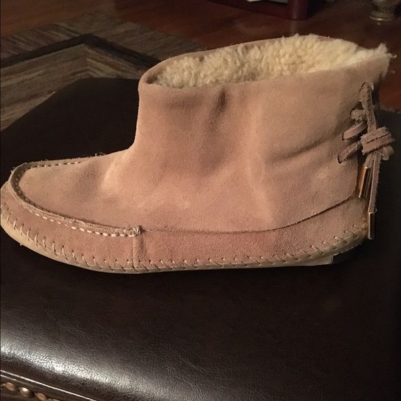 41363dc164d7 Tory Burch boots Authentic!!! LNC ... Tory Burch Tan suede moccasin ...