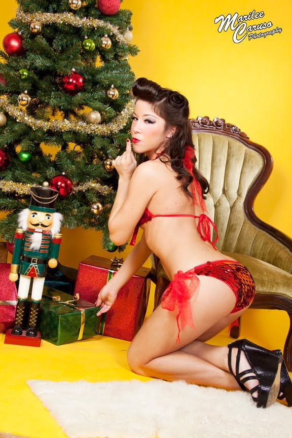 sexy christmas pinups   Christmas Pinup Photography   Christmas ...
