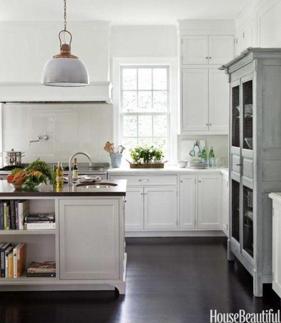 Cocina en blanco con suelos oscuros...ideal!!