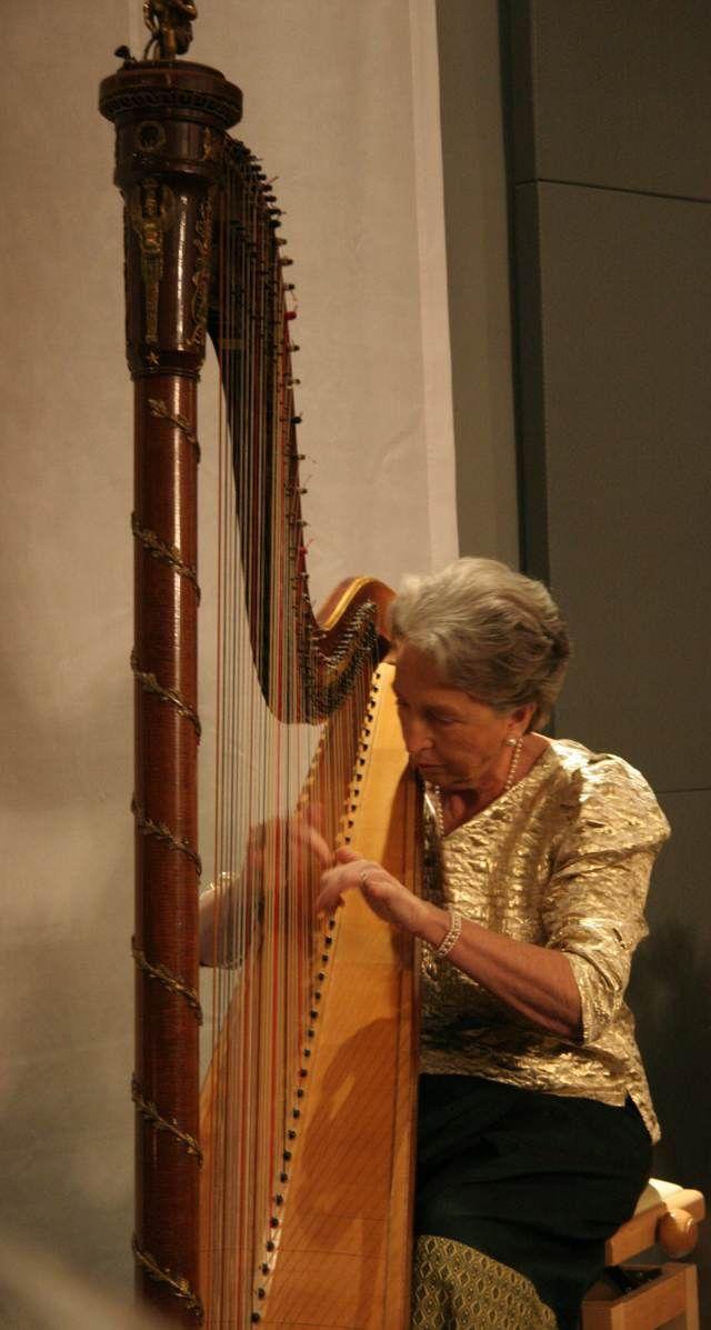 Harpist Bertile Fournier-Huguet at the Museo dell'arpa Victor Salvi