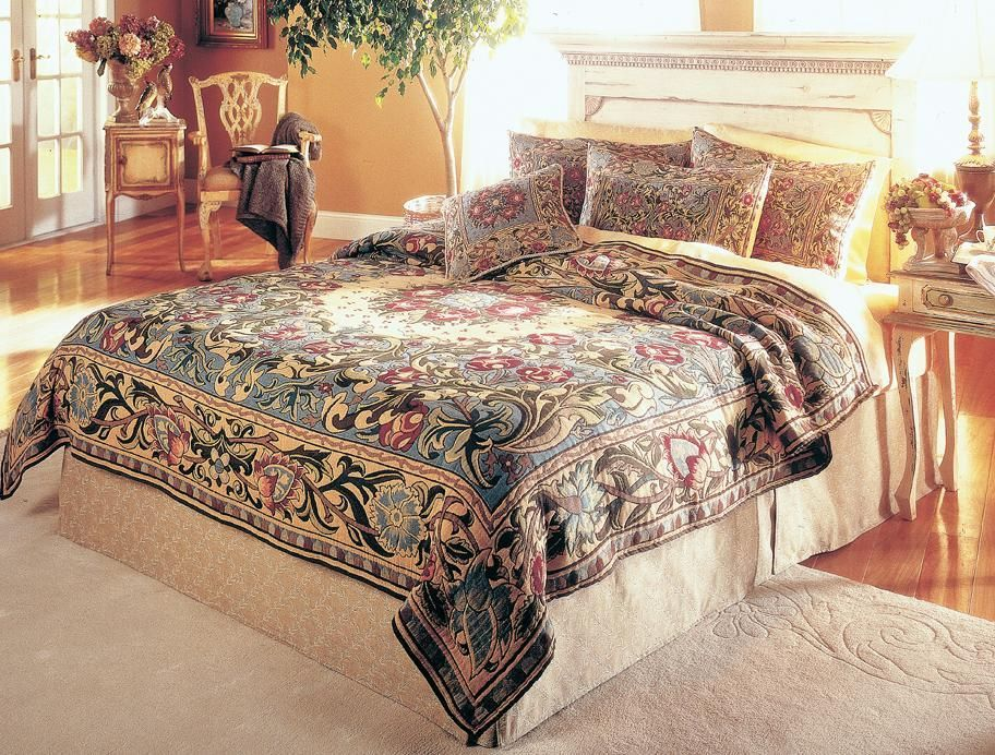 A Complete Set Of William Morris Co Ordinated Bedding With