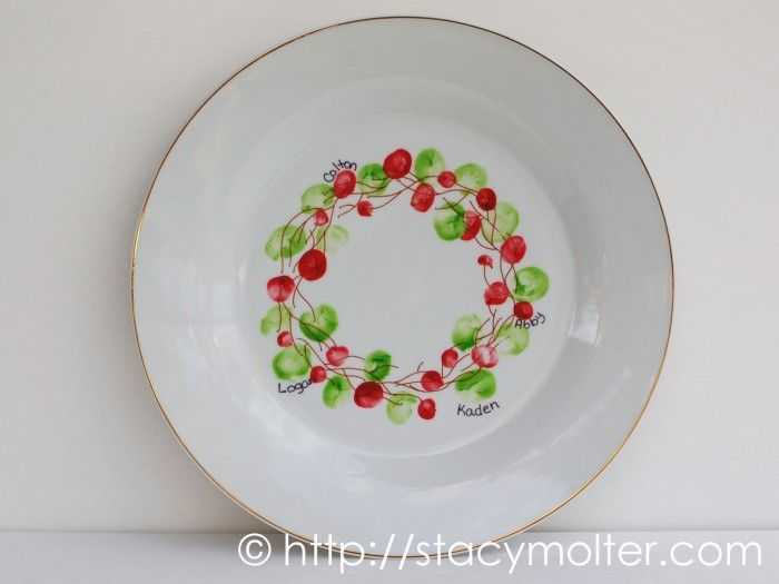 Personalized Wreath Thumbprint Christmas Plate Craft