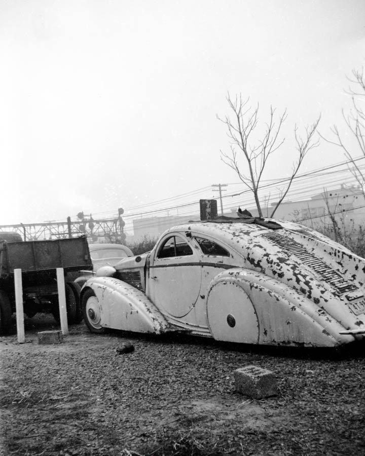 1925 Round Door Rolls Royce in New Jersey Junkyard, 1950s, Image: Nick Morozov/Flickr