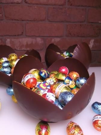 Chocolate bowls are a great homemade easter gift idea recipe chocolate bowls are a great homemade easter gift idea recipe homemade gift negle Images