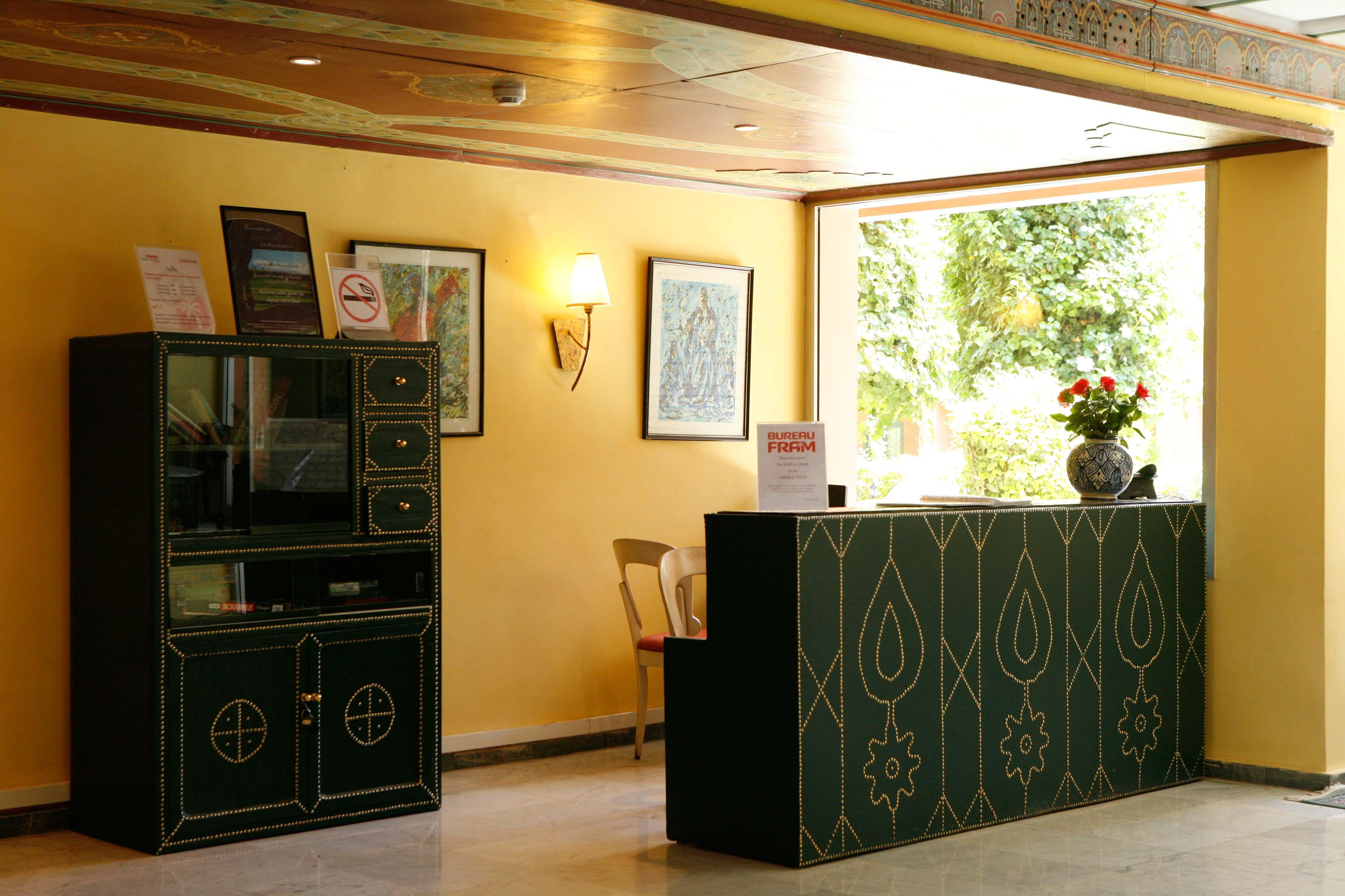 A Votre Service L Hotel Chems Met A Votre Disposition Espace De Loisirs Bureau De Change Espace Internet Et Wi Fi Restaurants B Liquor Cabinet Home Decor Decor