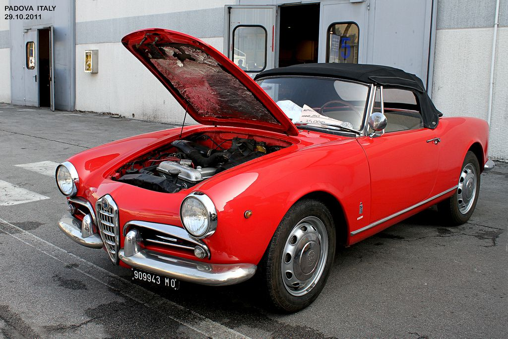 https://flic.kr/p/aAGwTb   ALFA  ROMEO GIULIA Spider year 1963   ALFA  ROMEO GIULIA Spider year 1963  Prezzo partenza asta era di 35.000 euro Auction market price was 35,000 euro  Fiera Auto EPOCA Fair Vintage Car  PADOVA  Italy  29.10.2011