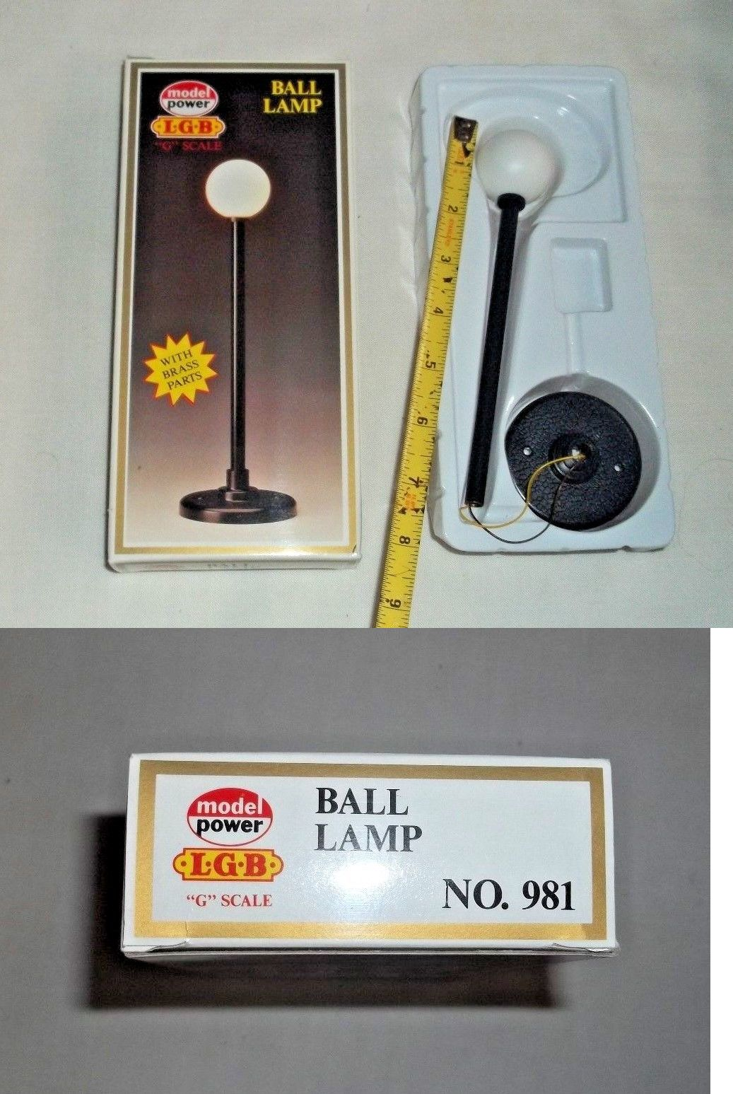 Lamps And Lights 80984 G Scale Working Street Light W Ball Lamp