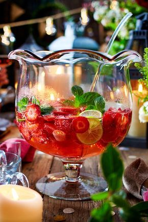 Erdbeer-Hugo-Bowle #refreshingsummerdrinks