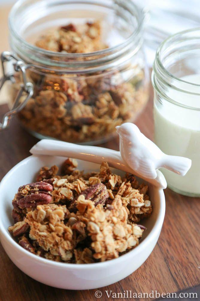 Maple Pecan Granola | VanillaAndBean.com