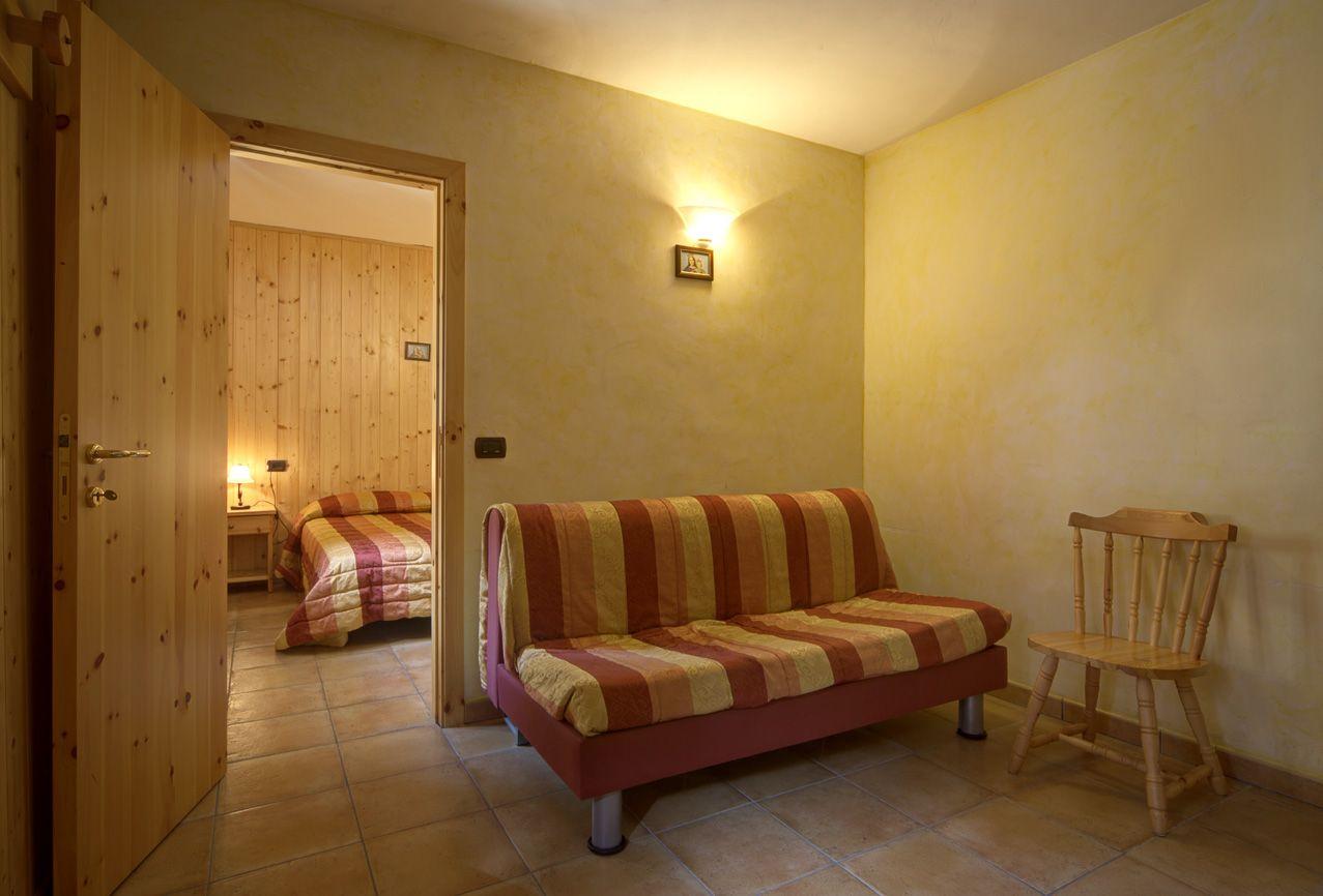 living room/soggiorno camera n°210-104 mq.25 #lasibilla #sassotetto #sarnano #sibillini #marche #italy