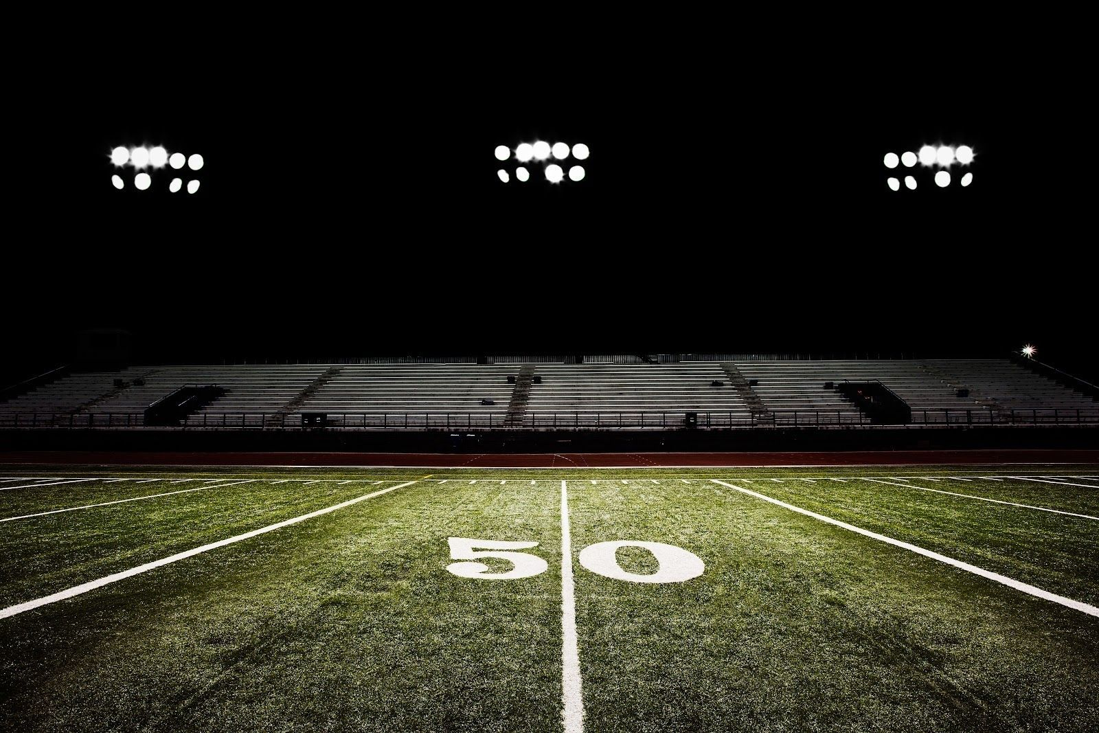 10 Top American Football Field Backgrounds At Night Full Hd 1080p For Pc Desktop 1080p American Back Football Field American Football High School Football