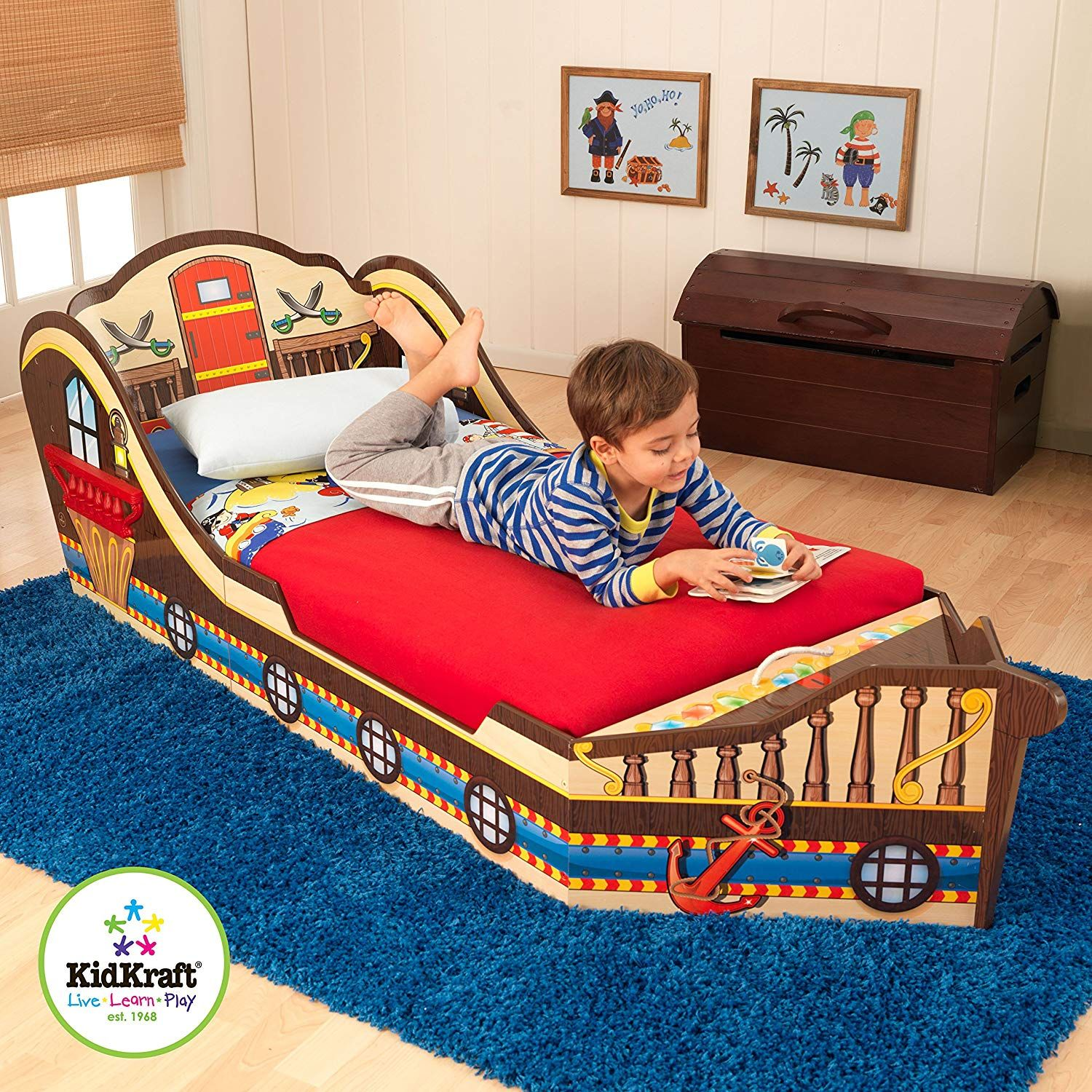 Kidkraft Toddler Pirate Bed Shiver Me Timbers Our Pirate Toddler Bed Helps Make The Transition From A Crib To An Adult Bed In 2020 Kleinkinderbett Coole Kinderbetten