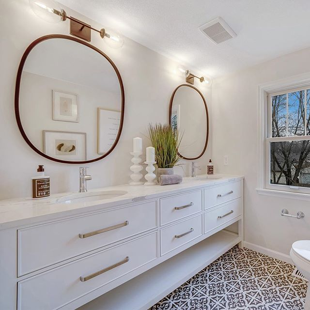 Six foot vanity...yes please. And all the black and white ...