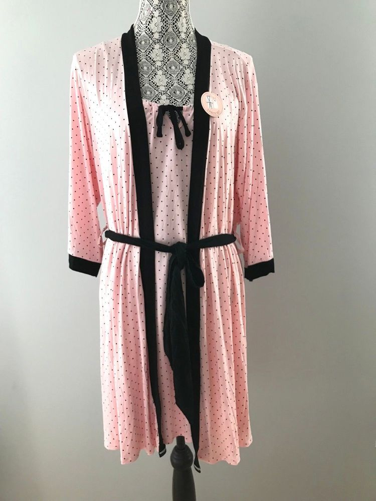 7f7b761e48d5 NWT Marilyn Monroe Intimates Chemise & Robe 2PC Set Pink Rose Black Dot  SIZE M #MarilynMonroe #RobeGownSets #Everyday