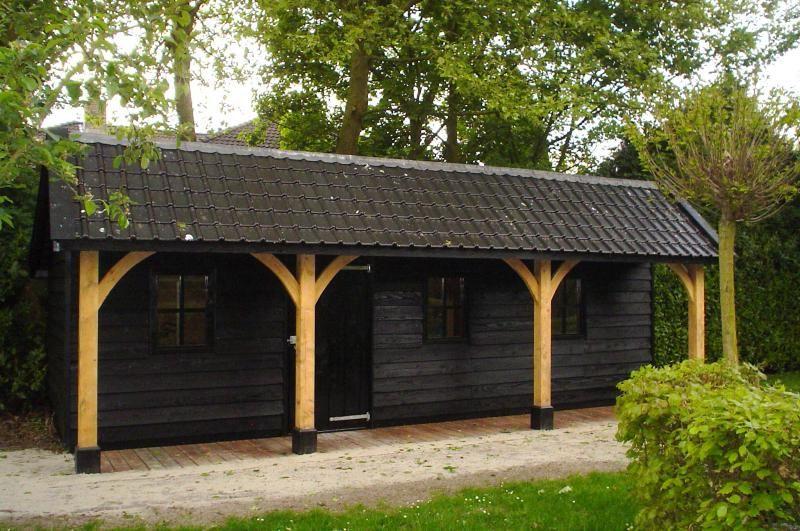 Afbeeldingsresultaat voor houten bijgebouwen cottage tuin
