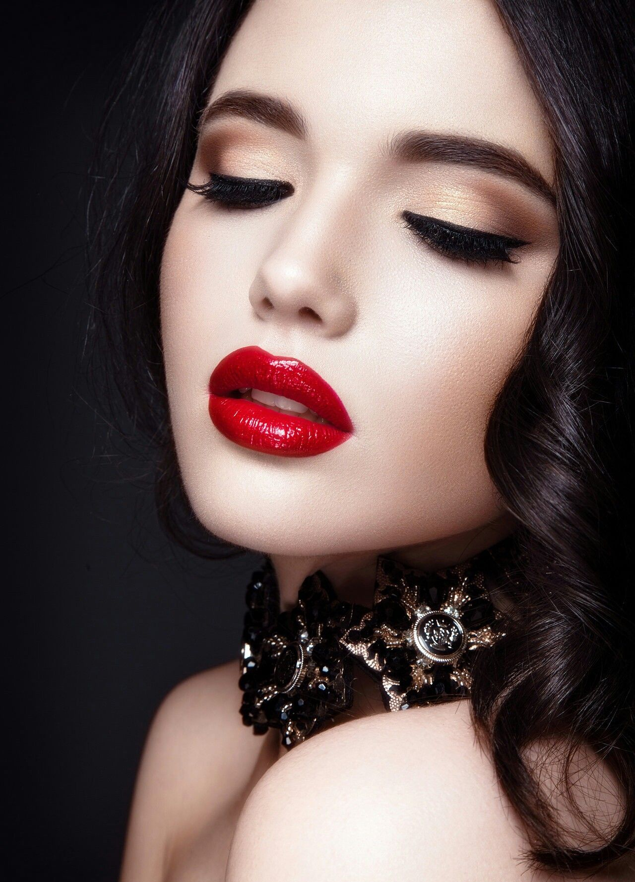 Pin by ༻ ℐ 𝒶𝓂 ♕ ℋ𝒾𝓈 ༺ on ♡°ReD LiPs°♡ Perfect red