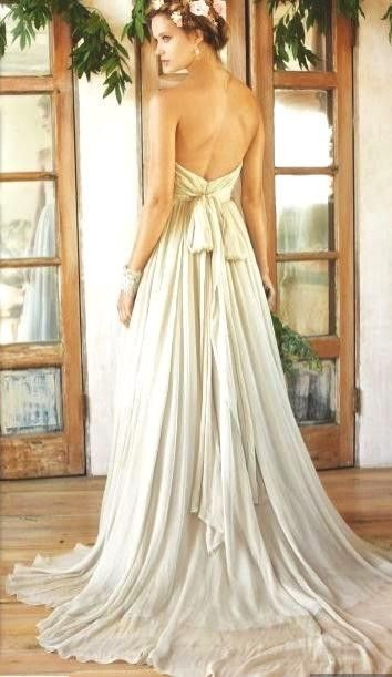 Esmeralda | Second hand dresses | Pinterest | Wedding dress, Wedding ...