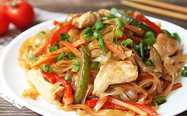 Рецепт Рисовая лапша с курицей и овощами с фото | Рецепт ...