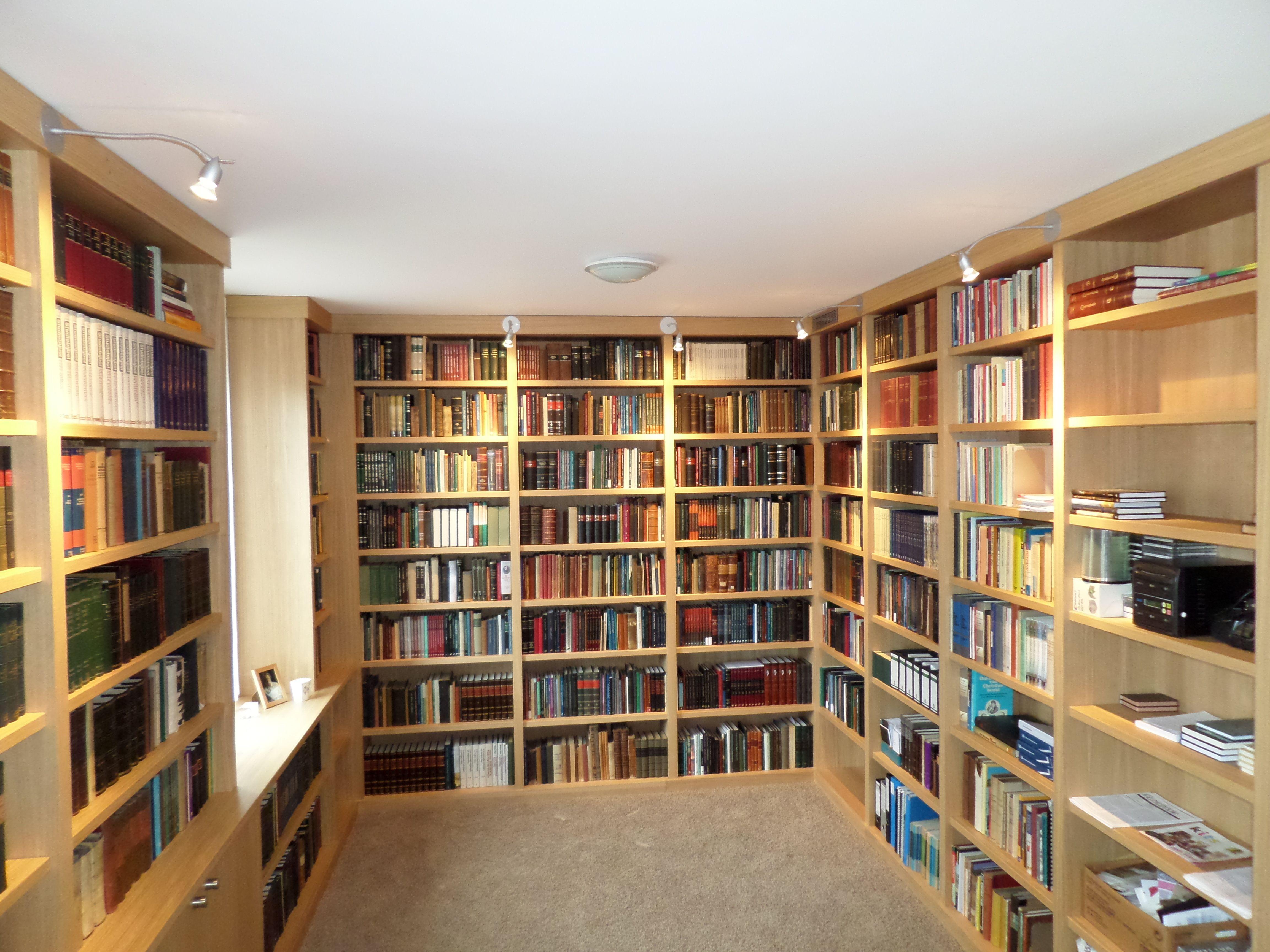 boekenkast ruim 80 meter legplanken raamkozijn kast op maat ontwerp uw eigen droomkast op www