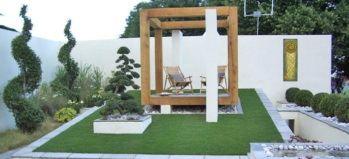 Minimalist Courtyard Garden London