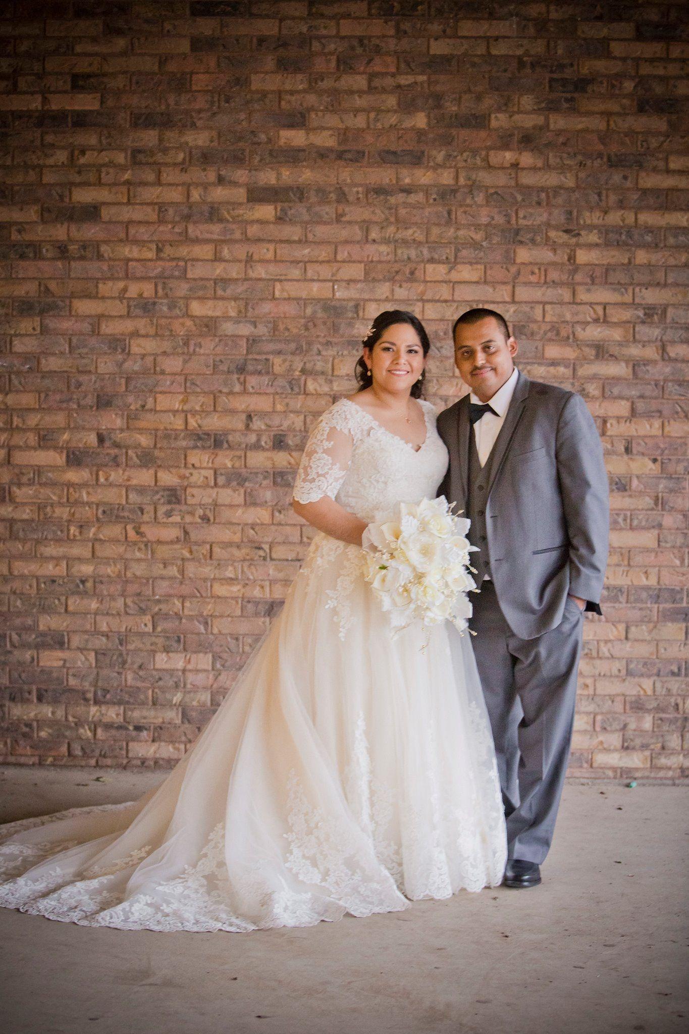 Ballgown Wedding Dress From Fantasy Bridal Ballgown Half Sleeve V Neck Curvy Bride Utahbride Utah Wedding Dress Store Wedding Dresses Modest Bridal Gowns [ 2048 x 1365 Pixel ]