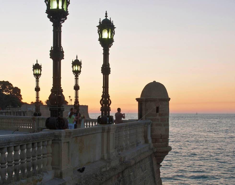 La Alameda Apodaca Un Lugar Con Mucha Historia En Cádiz En 2020 Cádiz Miradores Turismo
