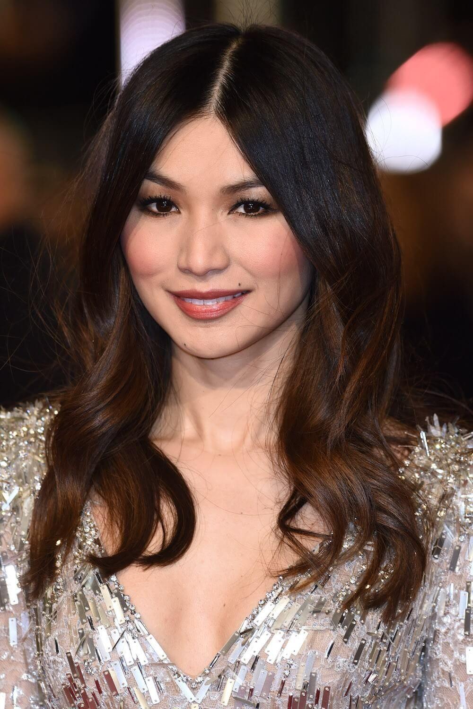 30 schöne lange Frisuren für runde Gesichter Frauen