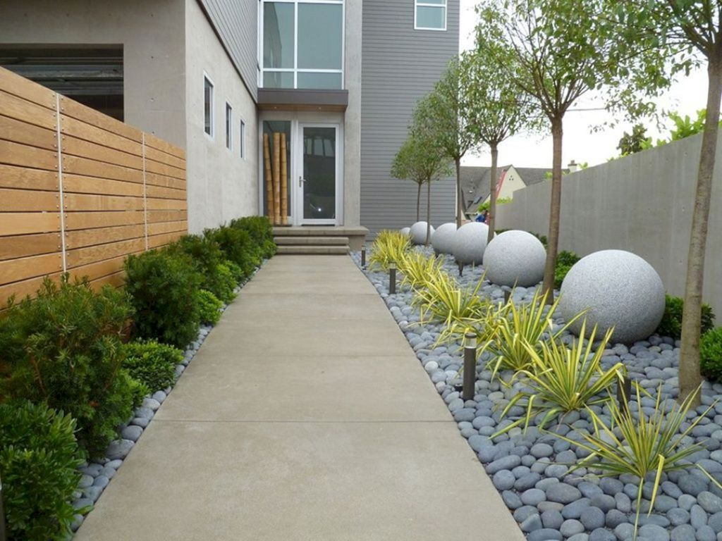 12 Best And Wonderful Modern Front Yard Landscaping Design Ideas #modernfrontyard