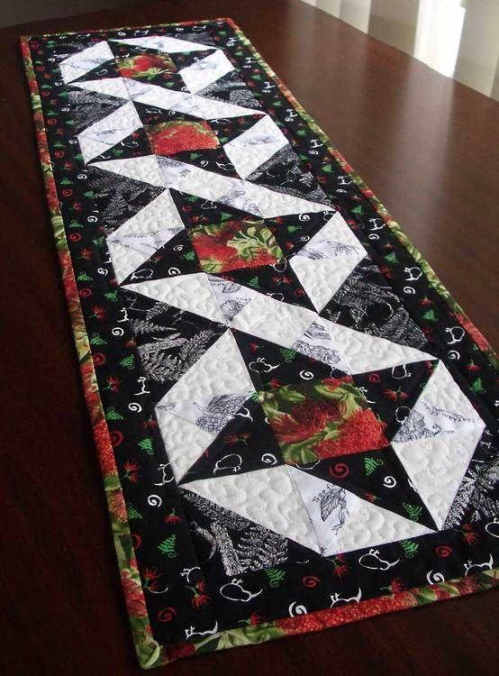 Christmas tablerunner | quilting | Pinterest | Quilt table runners ... : table runner quilt pattern - Adamdwight.com
