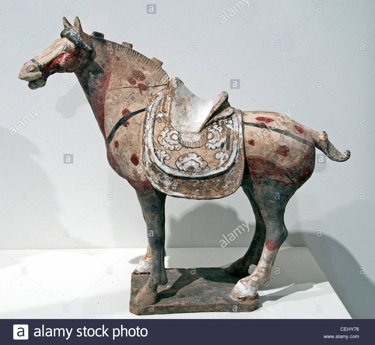 Download This Stock Image Horse Saddle Polychrome Ceramic Pottery Tang Dynasty 8 Century North China Chinese Cehy78 From Alamy Horses China Art Equine Art