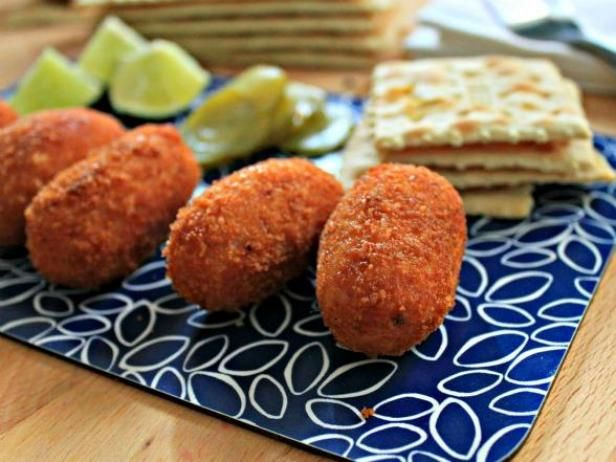 How to make croquetas pinterest jamaican dishes cuban cuisine how to make croquetas devour cooking channel forumfinder Images