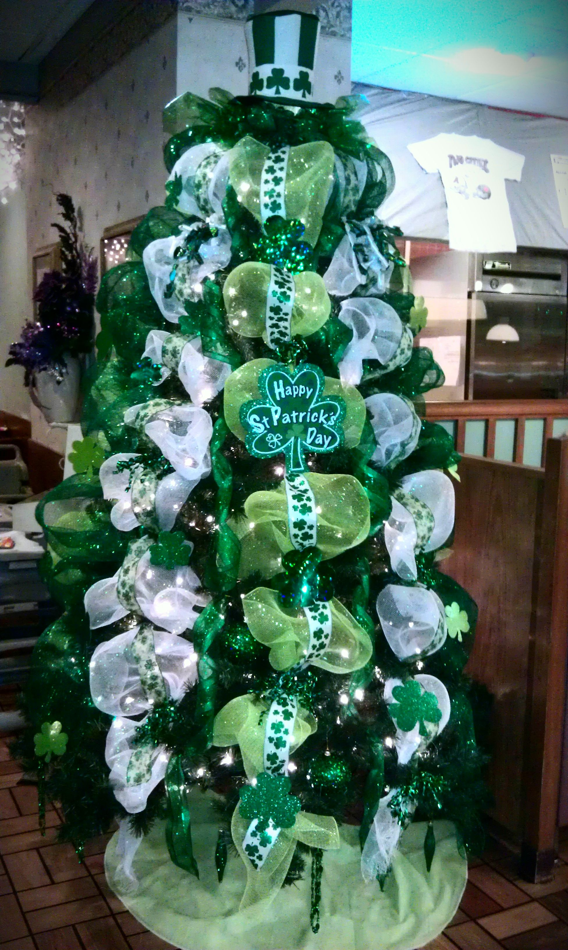 St. Patty\'s Day love these colors... Kj design   A Tree for Every ...