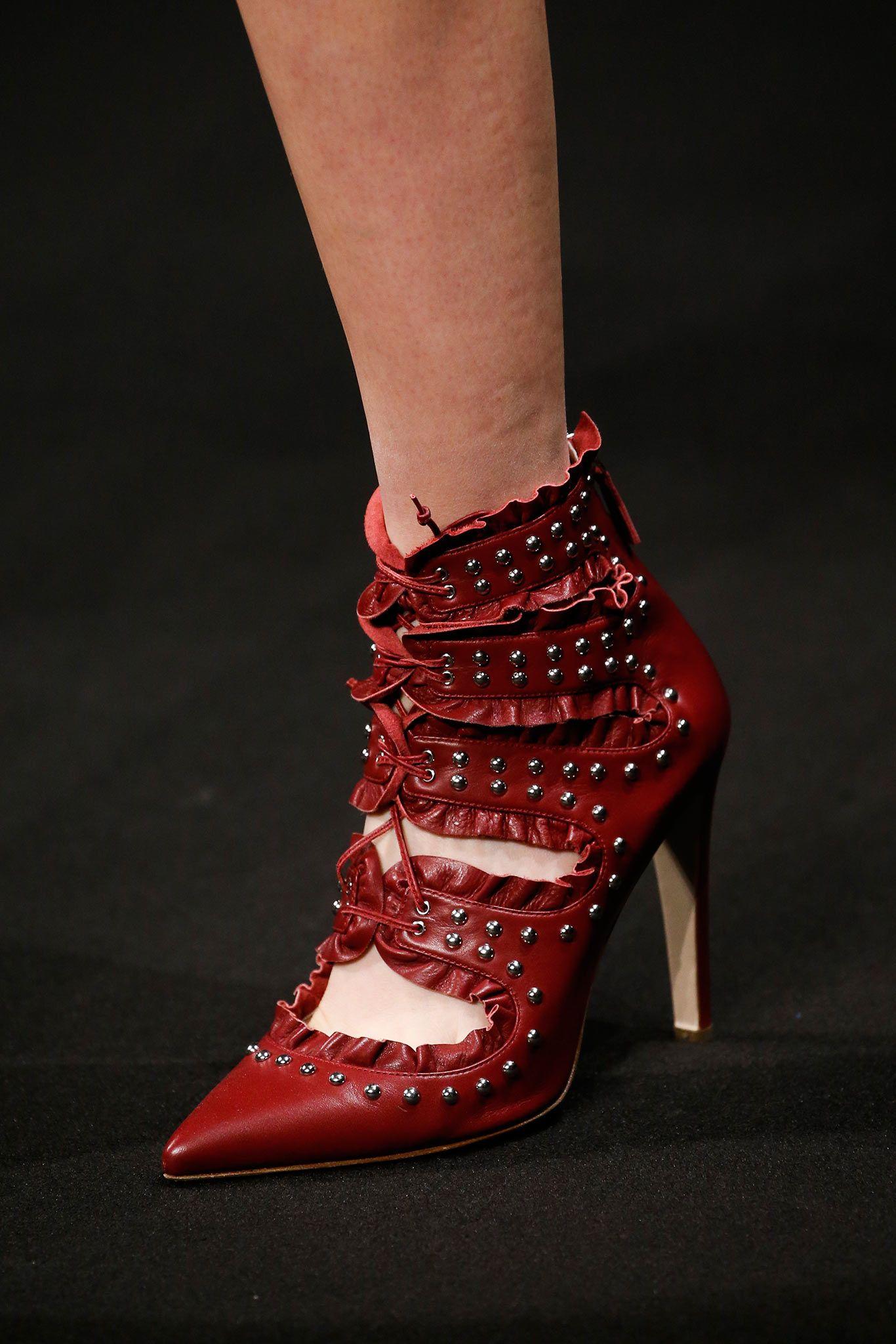 Altuzarra Fall 2015 Ready To Wear Details Gallery Style Com Trending Boots Heels Women Shoes