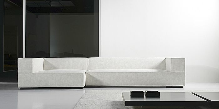 Border sofa by Belgian designer Roel Vandebeek for Sur & Plus.